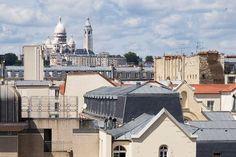 Hôtel At Gare du Nord***, #Paris (Maranatha Hotels) - Proche de #Pigalle, avec vue sur le Sacré Coeur au 5ème étage. Pigalle, Rue, Paris, Mansions, House Styles, Home Decor, Sacred Heart, Montmartre Paris, Decoration Home