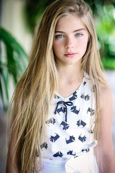 The triumph of youth promises a brighter tomorrow Beautiful Little Girls, Beautiful Girl Image, The Most Beautiful Girl, Teen Models, Young Models, Cute Girl Dresses, Girl Outfits, Jade Weber, Teen Girl Poses