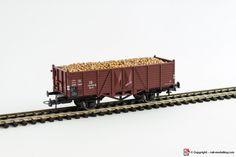 ROCO 4JU01 - H0 1:87 - Carro merci aperto 2 assi con carico DB modello Om 12 con confezione