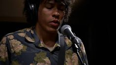 Boogarins - Full Performance (Live on KEXP)