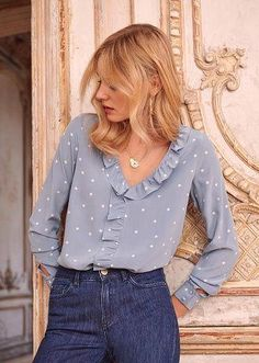Trendy clothing for korean fashion trends 950 - blusas blouse summer blouse style blouse ideas Blouse Styles, Blouse Designs, Skandinavian Fashion, Look Fashion, Fashion Outfits, Fashion Ideas, Womens Fashion, Korean Blouse, Korean Fashion Trends