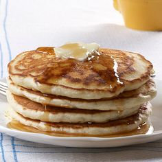 Fluffy Cream Cheese Pancakes - Breakfast and Brunch - Low Carb Pancakes, Breakfast Pancakes, Pancakes And Waffles, Breakfast Dishes, Breakfast Time, Breakfast Recipes, Pancake Recipes, Fluffy Pancakes, Breakfast Ideas