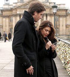PICTURES: Kourtney Kardashian, Scott Disick Kiss on Romantic Trip to Paris - UsMagazine.com