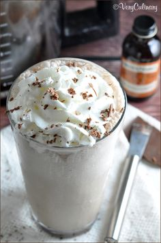 Chocolate Frappe: Chilled coffee is blended with creamy ice cubes, chocolate syrup, and chocolate extract for a homemade version of this classic coffeehouse drink. Homemade Mocha, Homemade Iced Coffee, Homemade Chocolate, Chocolate Extract, Chocolate Syrup, Hot Chocolate, Bakery Recipes, Cooking Recipes, Chocolates
