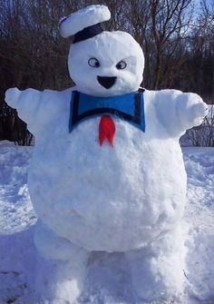 Ghostbusters News ( ghostbustersnews ) - The Stay Puft Marshmallow Snowman Die Geisterjäger, Ghostbusters Party, Snow Sculptures, Snow Art, Ghost Busters, Build A Snowman, Arte Disney, Winter Fun, Sculpting