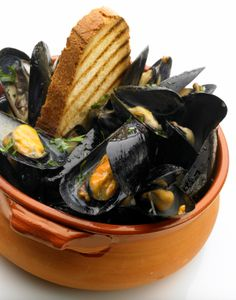 A feast of mussels is one of the cheapest and easiest meals you can make. For less than $10 and 15 minutes of your time, you can have a big pile of tasty mussels to share. Serve with fresh bread …
