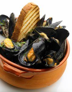 Mussels with Leek-Cream Sauce | The Seasonal Gourmet