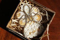 Guardian Angel. Zipper pendant. Zippers and tatting lace creations. Handmade Angel pendant. Unique Angel lace. Original gift.