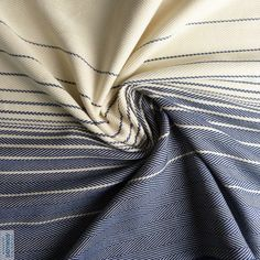 Didymos Lisca Blue - If only Liscas weren't soooo stretchy, I would snatch this up!!!