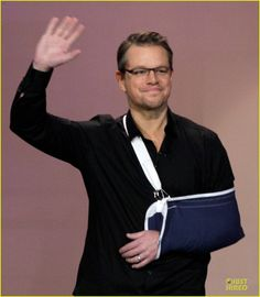 Uh oh! What's got Matt Damon's arm up in a sling?! Find out on JustJared.com! Matt Damon Bourne, The Bourne Identity, Arm Sling, Just Jared, Tonight Show, Cute Gay, Jay, Arms, Actors