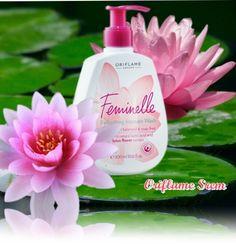 24889-Feminelle osvežavajući gel za pranje intimnih delova tela sa vitaminima i ekstraktom cveta lotusa.Sa delikatnim cvetnim mirisom pruža osećaj dugotrajne svežine i sigurnosti.300ml.