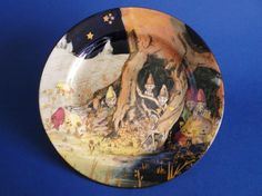 Royal Doulton 'Gnomes B - Munchkins' Rack Plate with Gold Cobwebs and Stars D4697 c1929