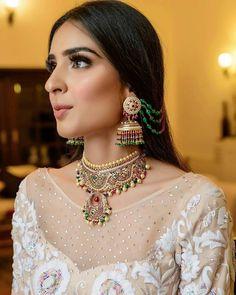 Big Fat Indian Wedding, Indian Wedding Outfits, Indian Bridal, Indian Weddings, Emerald Earrings, Big Earrings, Heart Earrings, Elegant Makeup, Soft Makeup