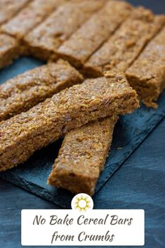 Use the crumbs from the bottom of the cereal box, combined with two simple ingredients, to make homemade cereal bars perfect for breakfast or snack time. Dairy Free Recipes, Vegan Recipes, Meatless Recipes, Delicious Recipes, Homemade Cereal, Bisquick Recipes, Good Food, Yummy Food, Cereal Bars