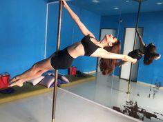 Kriti Kharbanda's sensual pole dancing to be a part of 'Housefull 4'   Free Press Journal Bollywood Actress Hot Photos, Bollywood Celebrities, Bollywood Fashion, Kirti Kharbanda, Housefull 4, Sajid Khan, Jacqueline Fernandez, Dress Picture, Photoshop Photography