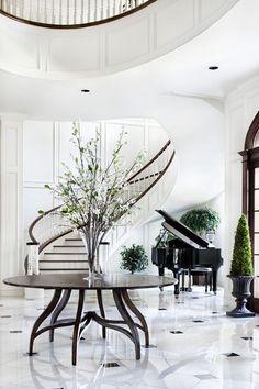 tumblr_n653nsLNHF1tqbjeoo1_500 piso branco e preto p&b escada helicoidal  piano  hall entrada