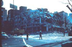 Esto paso en 1985 en Mexico, Terremoto destrulle edificios. Panico en capital federal.