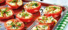 Sinihomejuustolla täytetyt tomaatit Finnish Recipes, Keto Recipes, Healthy Recipes, Vegetarian Keto, Vegetable Recipes, Bon Appetit, Tapas, Side Dishes, Food And Drink
