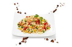Gebratener Reis mit Krabben und Gemüse, ein raffiniertes Rezept aus der Kategorie Schnell und einfach.