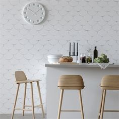 Soft And Minimal Wallpaper Collection With A Look - DigsDigs Unusual Wallpaper, White Wallpaper, Dining Room Wall Decor, Dining Room Design, Dining Rooms, Living Room Zones, Wallpaper Inspiration, Papier Paint, Wallpaper Collection