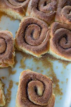 Brown Sugar Caramel Cream Cinnamon Buns from @kitchenmagpie