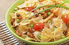 Salade de pâtes au poulet classique.