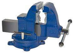 Pipe and Bench Vise Model 32c