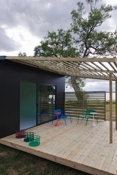Mini House Modern Prefab in architecture Category Deck With Pergola, Pergola Shade, Pergola Plans, Diy Pergola, Pergola Kits, Pergola Ideas, Low Deck, Patio Decks, Decking Ideas