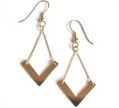 Boucle d'oreille or forme géométrique V - Leticia Ponti - Emma&Chloé