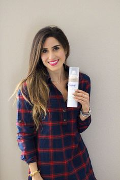 Our Hair Lifesaver with Dove. Read all about our favorite dry shampoo over on the blog today! This dry shampoo product by Dove is amazing and lets your go another day without washing your hair! | adoubledose.com