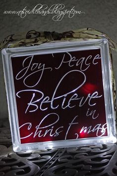 Glass block with lights - Christmas     Lynn, check out other pins by: Denise Pint-Gumm Christmas DIY