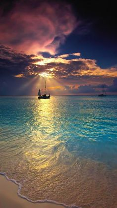 Makalawena Beach ~ Kailua Kona, Hawaii - I want to try sailing some day! Belle Photo, Dream Vacations, Beautiful Beaches, Beautiful World, Wonders Of The World, Beautiful Pictures, Scenery, Kailua Kona, Kona Hawaii