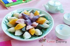 Songpyeon (Half-moon Shaped Rice Cake) recipe! | Korean Bapsang