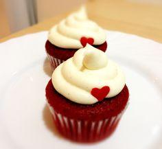 Red Velvet con Buttercream de chocolate blanco. pedido mínimo 6 uds. Llama al 618 19 27 57 ó info@cuppingcakes.es
