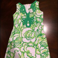 "NWT Lilly Pulitzer Janice Shift Dress Size Small! Beautiful brand new Lilly Pulitzer dress!! Print is called heart breaker! Fully lined and great quality! Size small! Length is 32"" and retail value is $188 no trades! Lilly Pulitzer Dresses"