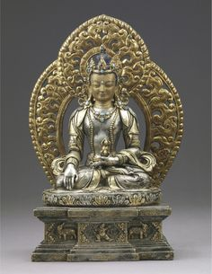 18th century, Bhutan, buddha Akshobhya, parcel-gilt silver alloy, cold gold on face, turquoise inlay, pigment, photo by Shuzo Uemoto, on exhibition at the Rietberg Museum