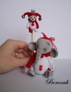 Little 'Punch Bear' here is so sweet.  [No pattern - just sharing because of the extreme cuteness]