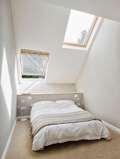 我們看到了。我們是生活@家。: 這間狹長的家位在倫敦南部,僅有2.3米的寬度,設計公司alma-nac以傾斜的屋頂