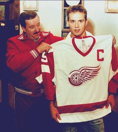 Stevie Y. One of the greatest damn hockey players there ever was. MY favorite hockey player. Played his ENTIRE career in Detroit. Detroit Sports, Detroit News, Detroit History, Hockey Teams, Ice Hockey, Sports Teams, Hockey Baby, Hockey Stuff, Detroit Vs Everybody
