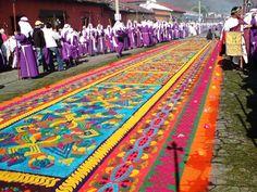Afombras-en-Antigua-Guatemala.jpg (800×600)
