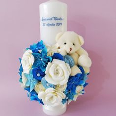 Blue paper flowers and white roses, for a little boy Emanuel Nicolas. Baptism Candle, Origami Design, White Roses, Little Boys, Paper Flowers, Paper Art, Baby Boy, Candles, Blue
