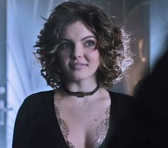 Selina Kyle/ Catwoman Gotham Cameron Bicondova, Camren Renee Bicondova, Curly Hair Cuts, Curly Hair Styles, Salina Kyle, Selina Kyle Gotham, Sherlock, Gotham Tv Series, Catwoman Cosplay