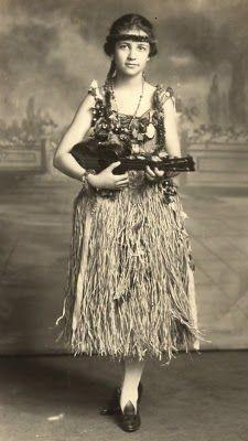 Love these vintage ukulele ladies