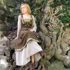 Viking woman by halloumi on DeviantArt
