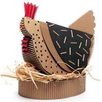 """Centre de table poule en carton extrait du livre de Claude JEANTET """"Décors de table en carton"""":"""