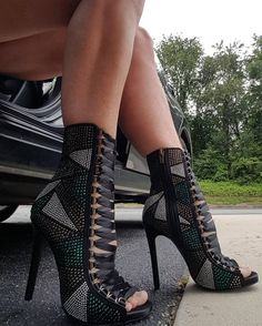 Take it to the next level with those super glamorous rhinestone lace up peep toe booties by top favorited shoe designer Steve Madden High Heel Boots, Heeled Boots, Bootie Boots, Shoe Boots, Women's Booties, Hot Shoes, Crazy Shoes, Shoes Heels, Shoes Sneakers
