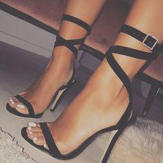 Stilettos Gladiator Party Schuhe High Heel Knöchel Riemchensandalen Sommer Pumps Boots and Heels I like High Heels Boots, Black High Heels, Pumps Heels, Heeled Boots, Shoe Boots, Women's Stilettos, Black Stiletto Heels, Black Boots, Ankle Boots
