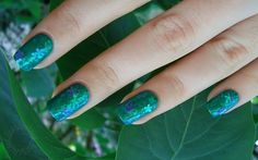 Lacquerized - A blog about nail polish: Green spring mani!