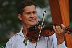 Pán primáš #Kollarovci #violin #husle #music #Slovakia #Slovensko Violin, Four Square, Music Instruments, Musical Instruments