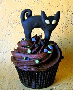 Black Cats ... spooky ...